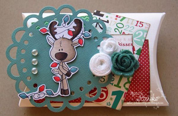 Janneke_ATSDT_October2011_ReindeerLights_PillowBox